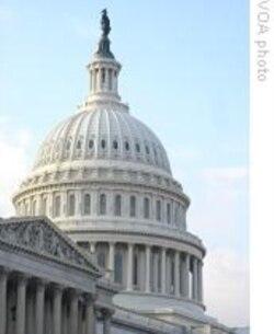 پرزيذنت اوباما گفت که بيمه خدمات درمانی در حال حاضر قانونِ آمريکا است