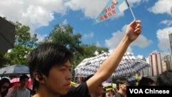 數以十萬計香港人頂著烈日參加71遊行,為李旺陽申冤也是重要訴求