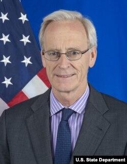 Amerikalı diplomat William V. Roebuck