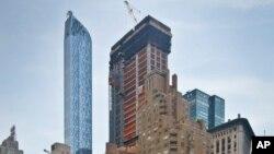 En Nueva York se construye un rascacielos donde se espera que un condominio se venda en $250 millones de dólares.