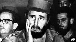 Fidel Castro từng là vị lãnh tụ tinh thần của nhiều nhà lãnh đạo Việt Nam và được để quốc tang ở quốc gia Đông Nam Á này khi ông qua đời tháng 11 năm ngoái.