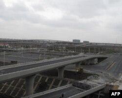 虹桥交通枢纽错综复杂的立交桥