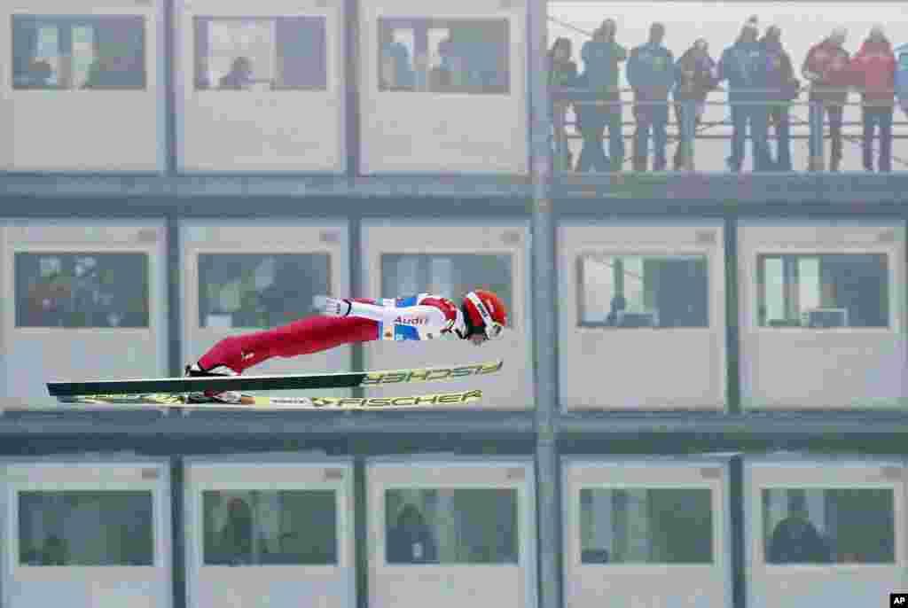 Germaniyalik sportchi Erik Frenzelning jahon chempionatidagi ishtiroki. Innsbruk, Avstriya