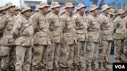 Pasukan NATO di Afghanistan melakukan serah terima keamanan tahap kedua kepada tentara Afghanistan (foto: dok).