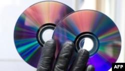 Vụ bố ráp nhắm vô hiệu hóa một mạng lưới các tin tặc phát tán phiên bản các phim có bản quyền của Hà Lan và các shows truyền hình trên Internet