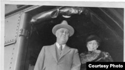 Franklin and Eleanor Roosevelt en route to Washington, D.C. after a week in Hyde Park. November 8, 1935. (photo courtesy of FDR Library Photograph Collection).