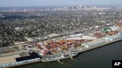 El puerto de Nueva Orleans podría ser afectado por Isaac, si llega a esta ciudad convertido en huracán categoría 2, lo cual podría suceder este martes.