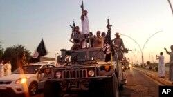 تصویر آرشیوی از پیکارجویان داعش در موصل