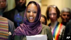 """Professor Larycia Hawkins, seorang pengajar di Wheaton College yang menulis komentar bahwa umat Kristen dan Islam """"menyembah Tuhan yang sama."""" (foto: dok)."""