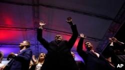 Predsednik RS Milorad Dodik proslavlja rezultat referenduma