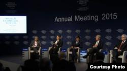 """第45届达沃斯世界经济论坛星期六(1月24日)就""""重建亚洲互信""""进行讨论。"""