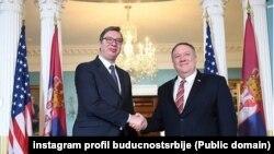 Aleksandar Vučić i Majk Pompeo tokom susreta (Foto: budućnostsrbijeav)