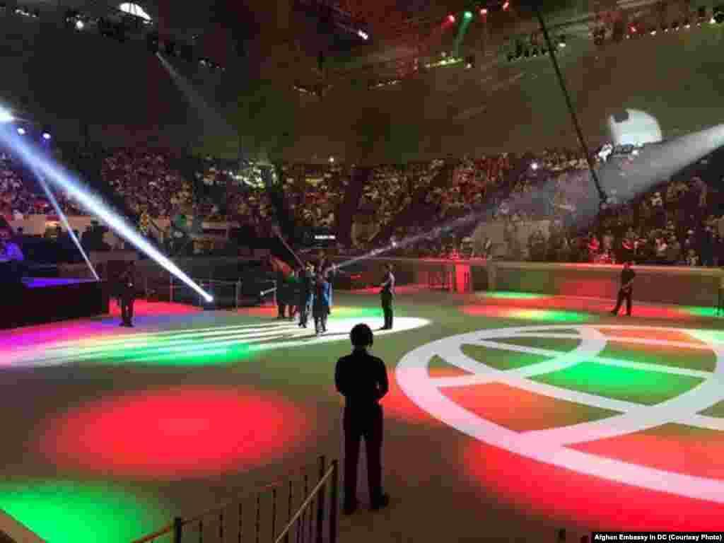 در مراسم افتتاحیه افغانستان نخستین تیم بود که داخل تالار این رقابت ها شد.