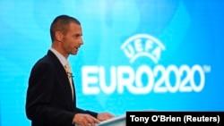 Aleksander Ceferin, président de l'UEFA, fait une présentation à Londres, le 21 septembre 2016.