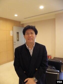 高涌诚律师(美国之音申华拍摄)