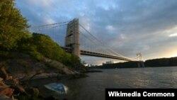 뉴저지주와 뉴욕 맨해튼은 연결하는 '조지워싱턴 다리(George Washington Bridge)'.