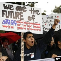 Protest studenata, dece ilegalnih imigranata, u Kaliforniji