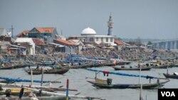 Desa nelayan di Nambangan, Surabaya, Jawa Timur. (Foto: Dok)