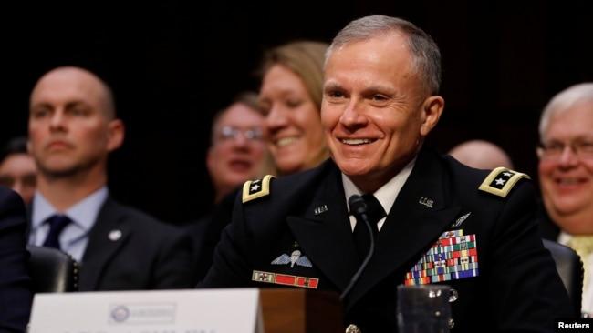 Trung tướng Robert P. Ashley, Jr., Giám đốc Cơ quan Tình báo Quốc phòng Mỹ.