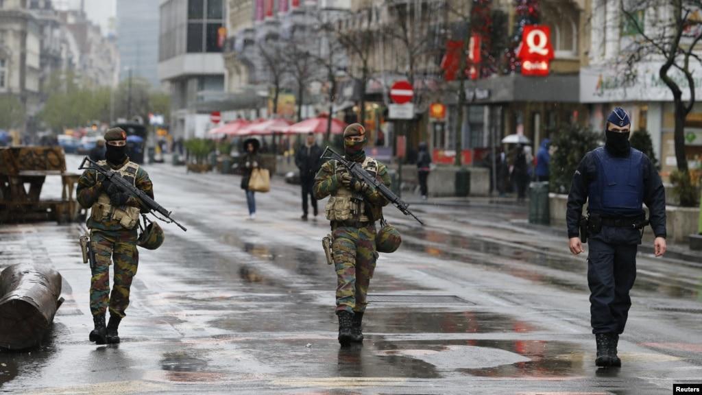 f093fc526f3a1 Słyszymy obecnie, że Belgia to kraj dysfunkcyjny i skorumpowany, co  sprawia, że stał się on rajem dla dżiahdystów. Niemalże państwo upadłe ze  społeczeństwem ...