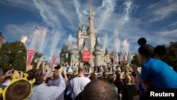 Walt Disney World di Florida direncanakan mulai buka pada pertengahan Juli.