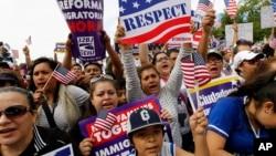 Según las estimaciones de las organizaciones civiles, en EE.UU. hay más de 12 millones de personas indocumentadas que se beneficiarían de una posible reforma.