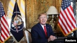 2019年12月24日,美国总统特朗普在海湖庄园对媒体讲话。