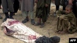 Терорист на мотоциклі підірвав 4 дітей та поліцейського у Кандагарі