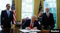 ფოტოზე: პრეზიდენტი ტრამპი 24 ივნისს ირანის წინააღმდეგ ახალ სანქციებს აწერს ხელს