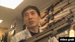 杜威講解槍支性能