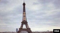 En Paris la sensación por la clasificación de Francia al mundial es contradictoria, de felicidad y de vergüenza al mismo tiempo.