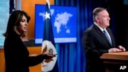 مایک پومپئو، وزیر امور خارجه آمریکا، و مورگان اورتگاس، سخنگوی این وزارتخانه (عکس از آرشیو)