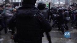 Держдеп США гостро засудив застосування жорстких методів проти протестувальників та журналістів в Росії. Відео