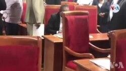Ayiti: Chanm Sena a Tèt Anba; 4 Senatè Opozisyon yo Debarase Sal la