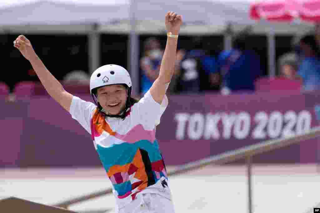 2020 Yay Olimpiya Oyunlarında qadın küçə skeytbordu finalını qazanan yapon Momiji Nişiya