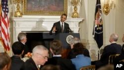 奧巴馬星期一在白宮向到訪的各州州長發表演說