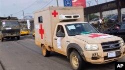 Kendaraan medis keliling di Monrovia, Liberia untuk mengangkut pasien ebola (foto: dok).