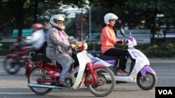 Women scooty