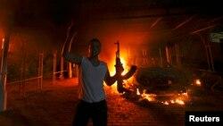 Lãnh sự quán Mỹ ở Benghazi bị đốt cháy trong vụ tấn công ngày 11/9/2012.