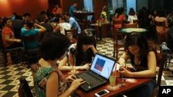 Bà Shaheed nói nhà cầm quyền Hà Nội nên mở rộng không gian cho người dân bộc lộ quan điểm.