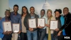 (Goch a Dwat) Inrico Dangelo NEARD, Radio Tele Caraibes; Joel FANFAN, Ticket Magazine/Visa FM, Pòtoprens; Gaëlle BIEN-AIME, Radio Ibo, Pòtoprens; Alain PIERRE, Radio Tele Express/Jacmel; Chrislene LUBIN, Le National, Pòtoprens; Souzen JOSEPH, Télévision Nationale d'Haiti, Pòtoprens; Mirline PIERRE, Magik 9, Pòtoprens; Dieulermesson PETIT FRERE, Le Nouvelliste, Pòtoprens.