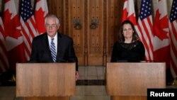 کریستیا فریلند وزیر خارجه کانادا در نشست خبری روز سه شنبه با وزیر خارجه آمریکا.