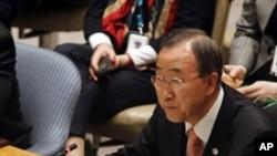 리비아 정부의 시위대 탄압 중지를 요구하는 반기문 유엔사무총장