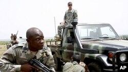 Forces spéciales maliennes à Kita, au Mali, au cours d'un exercice de formation conjointe, le 10 mai 2010.