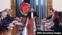 خلیلزاد د افغان سولې په اړه د نهم دور مذاکراتو تر پای ته ورسېدو وروسته تېره ورځ کابل ته ورسېد