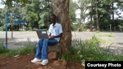 Un étudiant de l'Université du Burundi. le 25 février 2013.