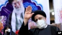 Ebrahim Raisi akan dilantik sebagai Presiden baru Iran, Kamis, 5 Agustus 2021. (Foto: AP Photo/Ebrahim Noroozi)