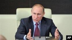 26일 모스크바에서 국정논의 중인 블라디미르 푸틴 총리