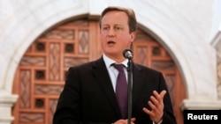 英国首相卡梅隆2013年1月30日回答记者的提问