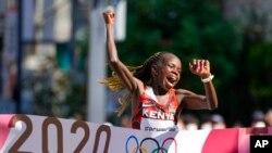 Mwanariadha wa Kenya Peres Jepchirchir aliyeshinda medali ya dhahabu kwenye mbio za Marathon kwenye Olimpiki nchini Japan.